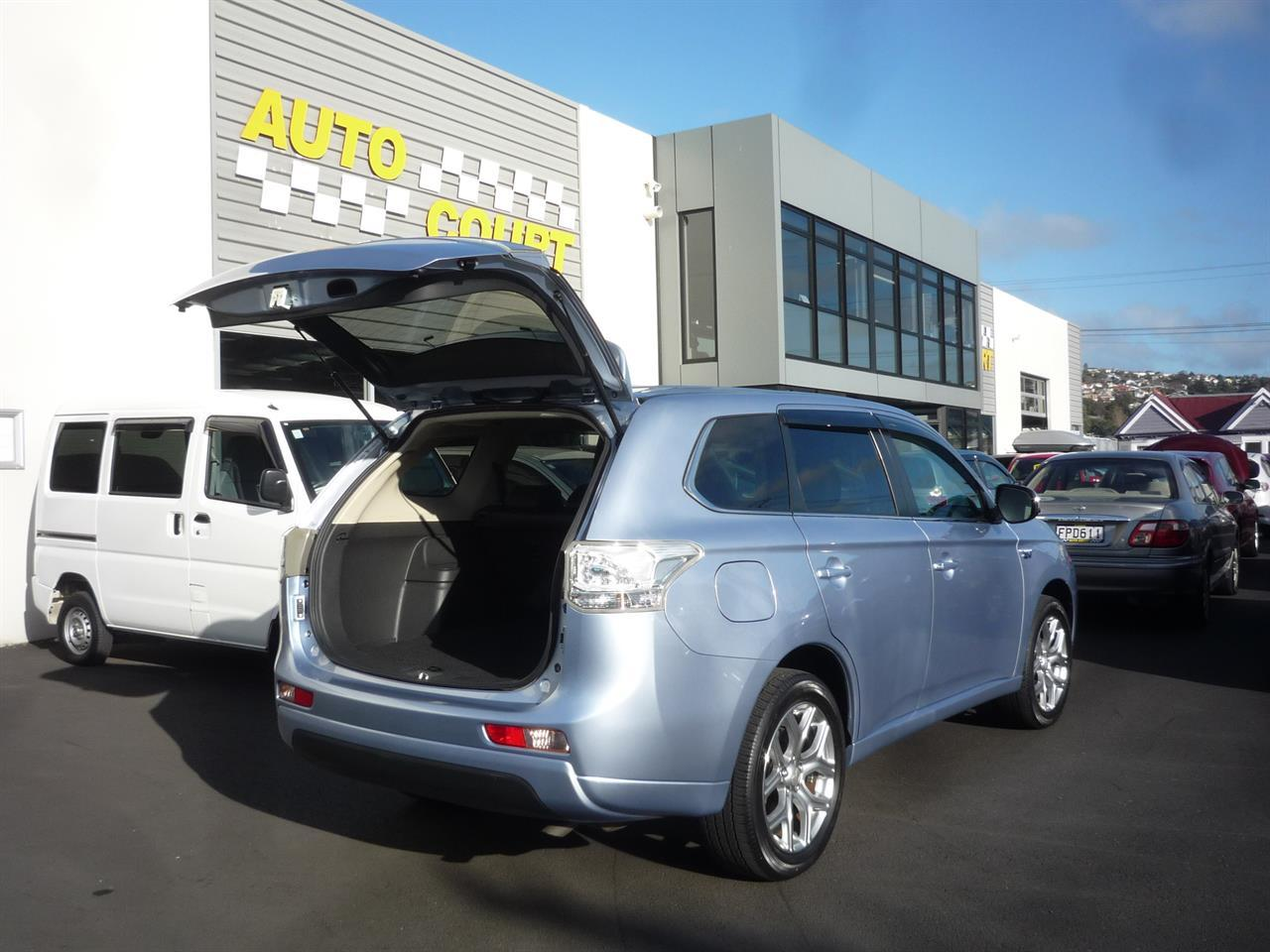 image-14, 2015 Mitsubishi Outlander PHEV G 4WD at Dunedin