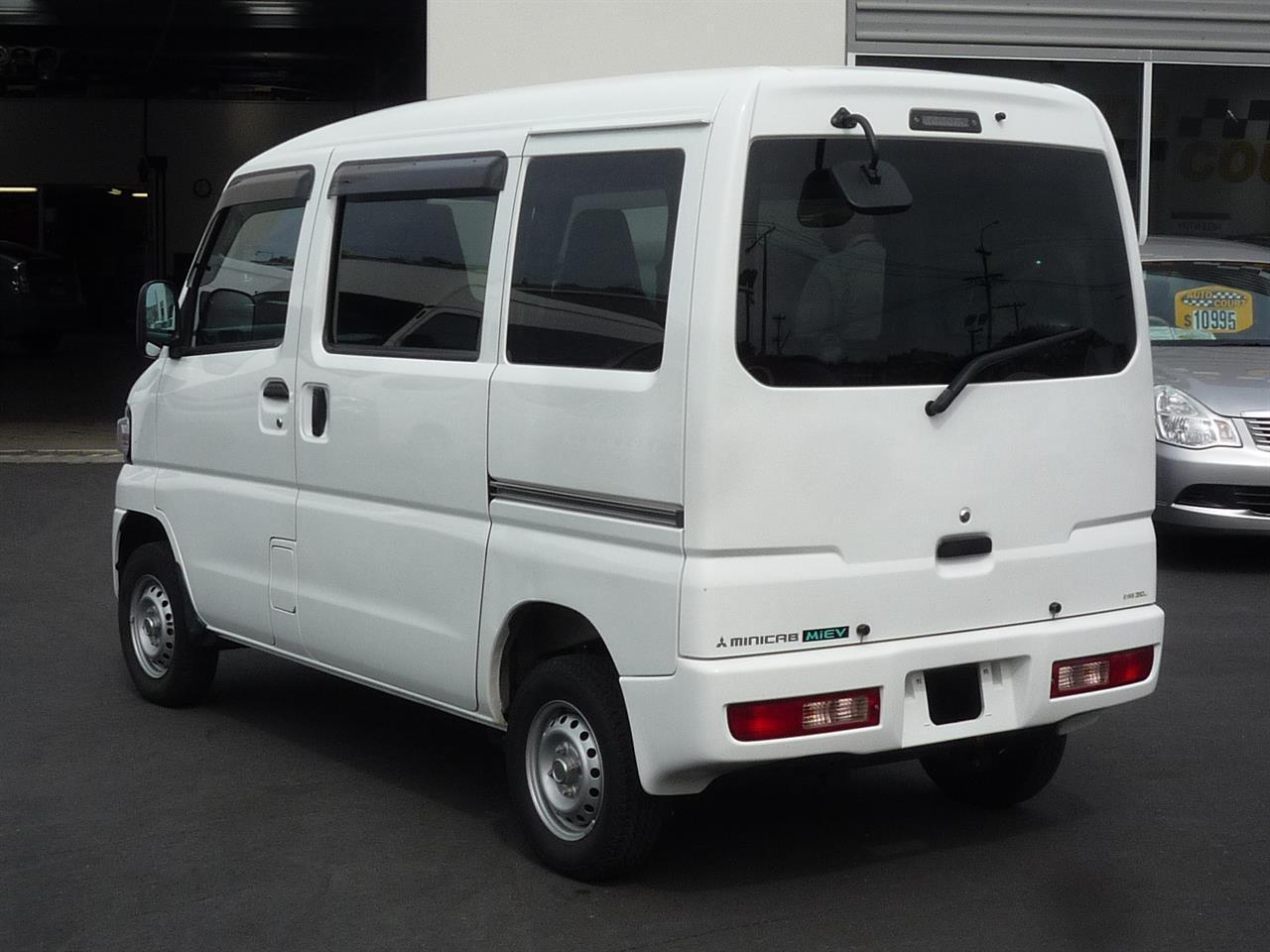 image-17, 2013 Mitsubishi MiniCab MiEV Electric Van at Dunedin