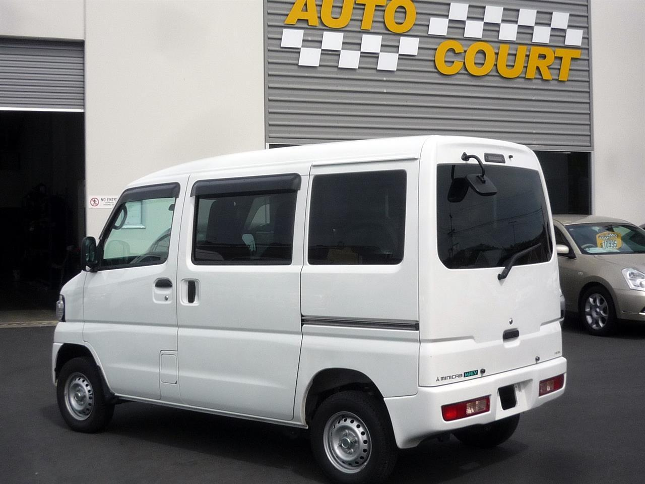 image-1, 2013 Mitsubishi MiniCab MiEV Electric Van at Dunedin