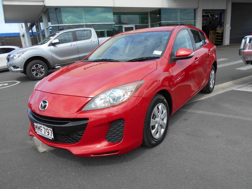 image-1, 2012 Mazda AXELA 2.0 Auto Hatch at Dunedin