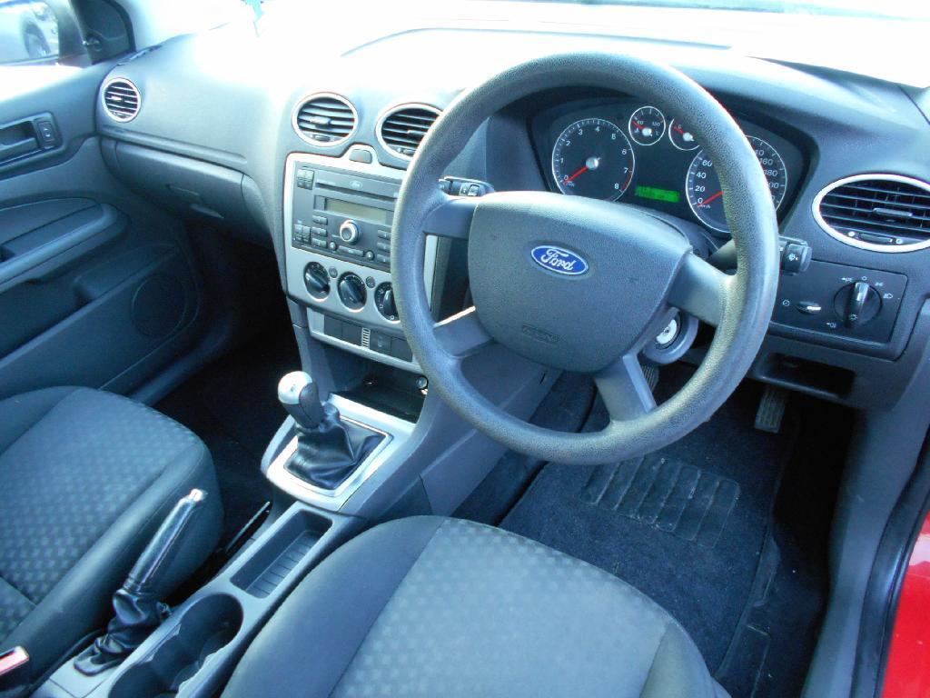 image-5, 2006 Ford FOCUS 2.0 Hatch manual at Dunedin