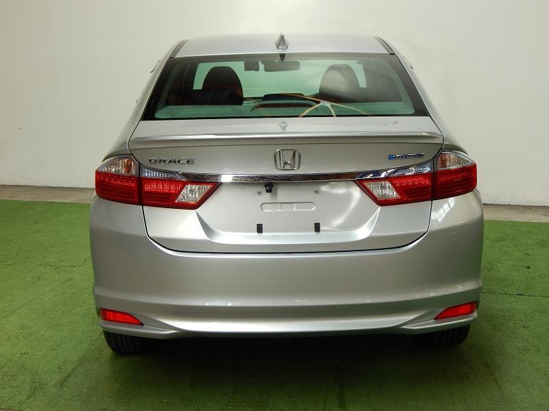 image-5, 2015 Honda Grace Hybrid at Christchurch
