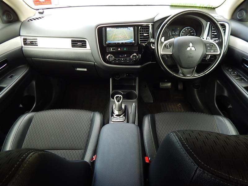 image-8, 2013 Mitsubishi Outlander PHEV(Plug-in Hybrid) at Christchurch