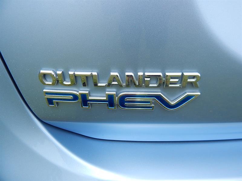 image-19, 2013 Mitsubishi Outlander PHEV(Plug-in Hybrid) at Christchurch