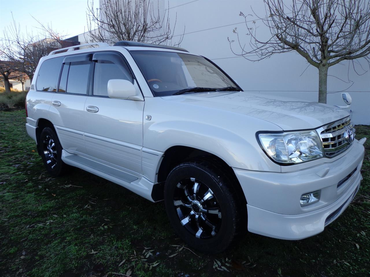image-0, 2000 Toyota Land Cruiser 100 VX Limited G Selectio at Christchurch