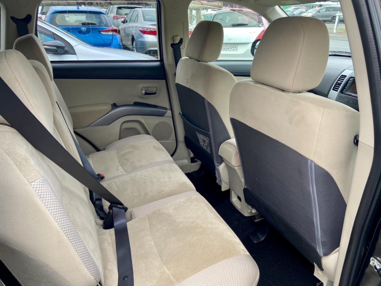 image-16, 2010 Mitsubishi Outlander 24G 4WD 7 Seater Facelif at Christchurch