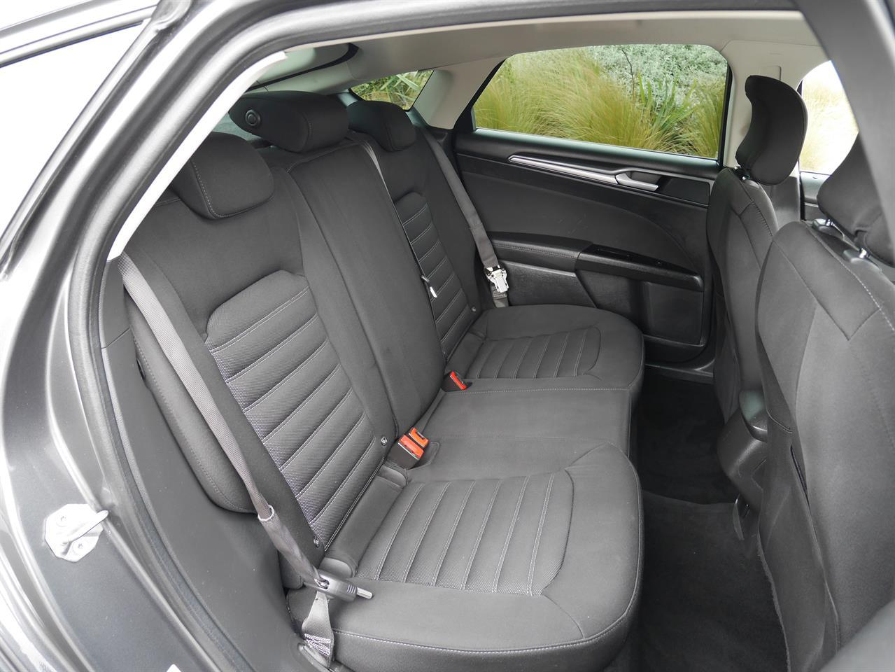 image-8, 2016 FORD MONDEO Ambiente 2.0p Ecoboost Hatch - NZ at Invercargill