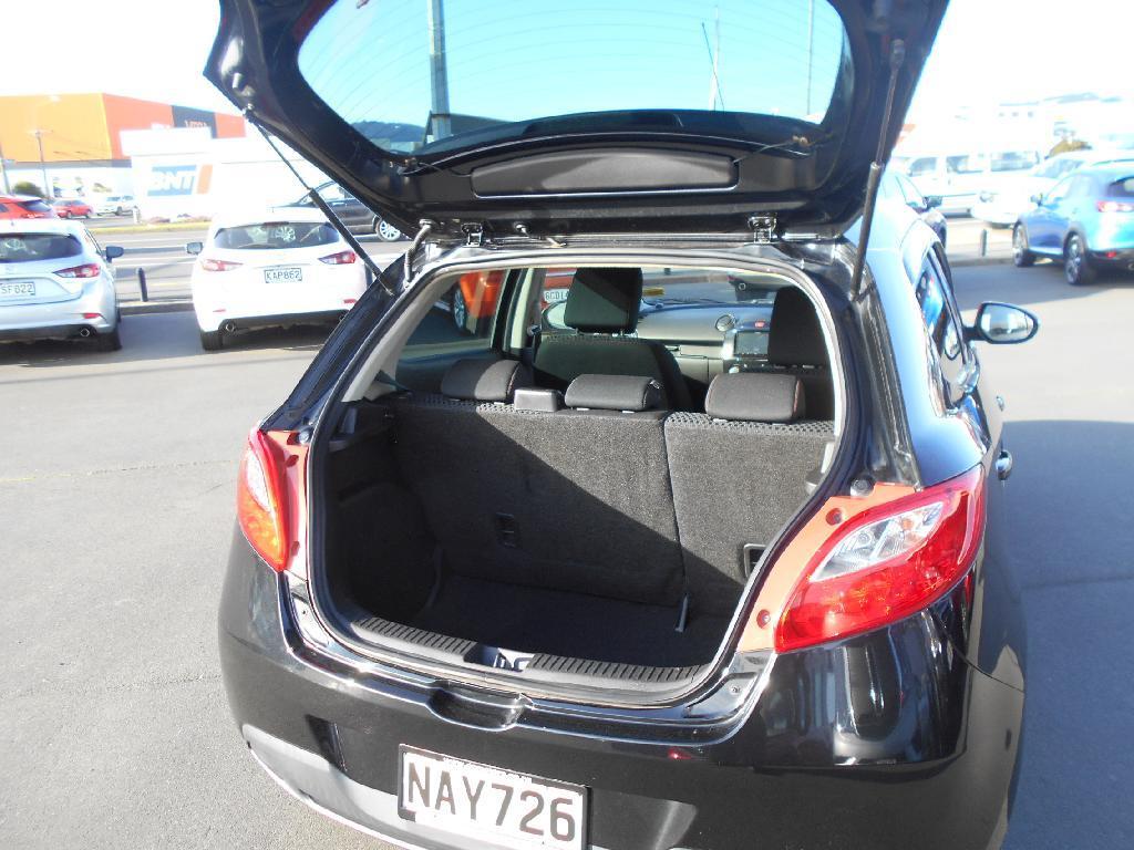 image-4, 2013 Mazda Demio 1.3 Auto Hatch Alloys at Dunedin