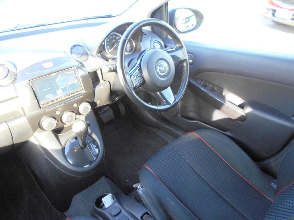 image-8, 2013 Mazda Demio 1.3 Auto Hatch Alloys at Dunedin