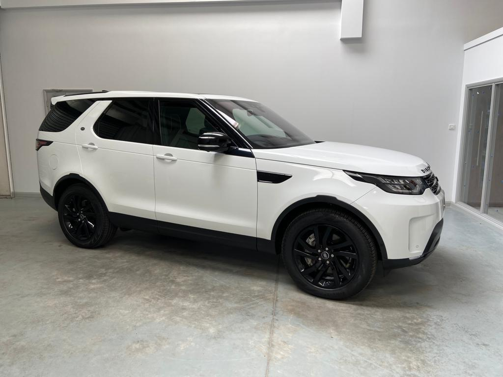 image-2, 2019 LandRover Discovery 5 3.0 SD6 HSE Black Packa at Christchurch
