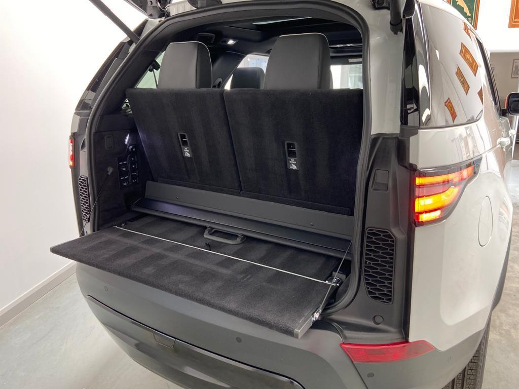 image-8, 2019 LandRover Discovery 5 3.0 SD6 HSE Black Packa at Christchurch