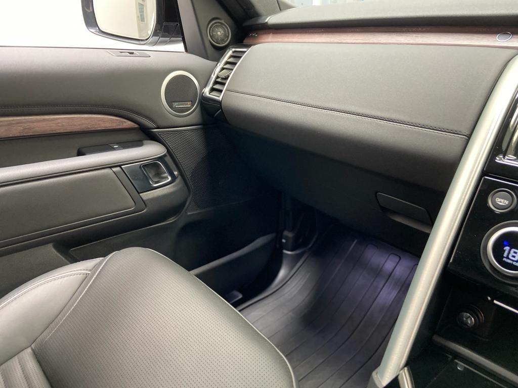 image-10, 2019 LandRover Discovery 5 3.0 SD6 HSE Black Packa at Christchurch