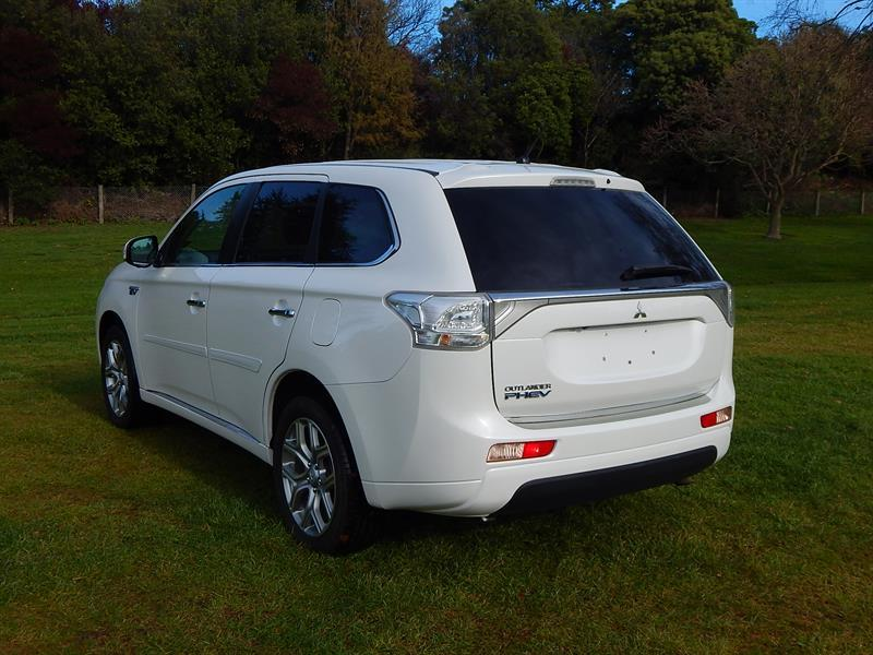 image-3, 2013 Mitsubishi Outlander PHEV(Plug-in Hybrid) at Christchurch