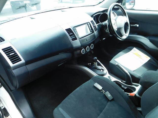 image-7, 2006 Mitsubishi Outlander 7 seat 4WD at Dunedin