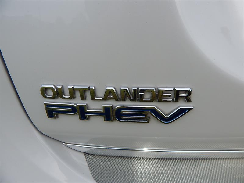 image-18, 2013 Mitsubishi Outlander PHEV(Plug-in Hybrid) at Christchurch