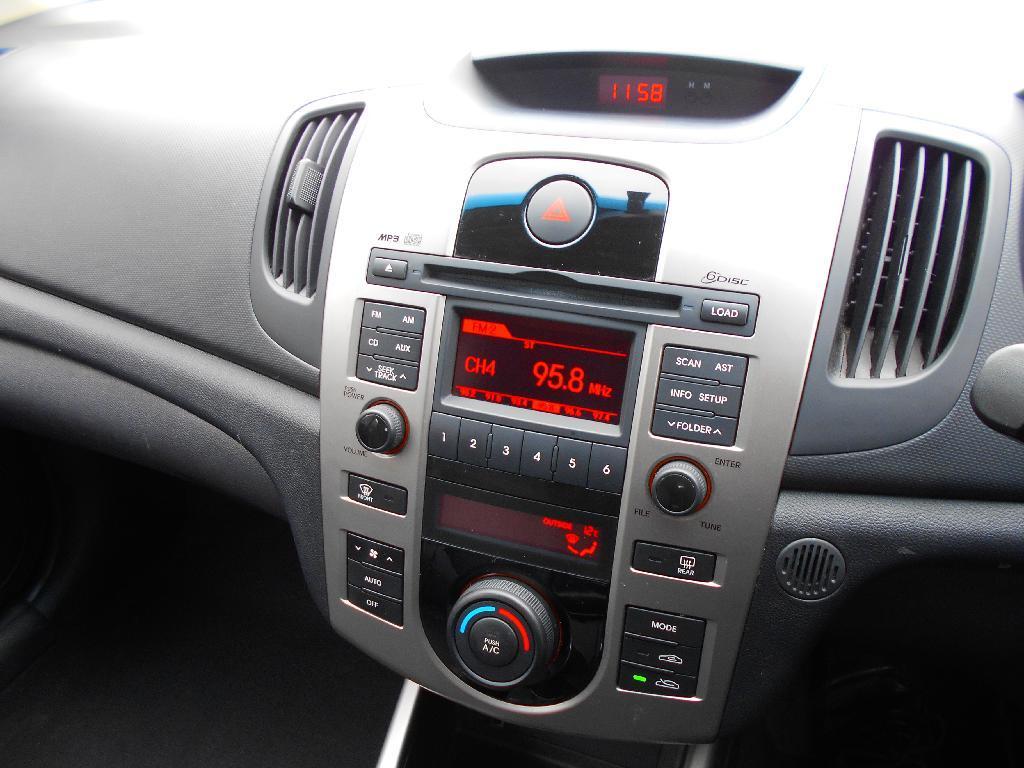 image-11, 2009 Kia Cerato 2.0 PETROL AUTO SX at Dunedin