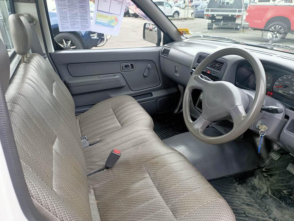 image-6, 1998 Nissan Datsun at Dunedin