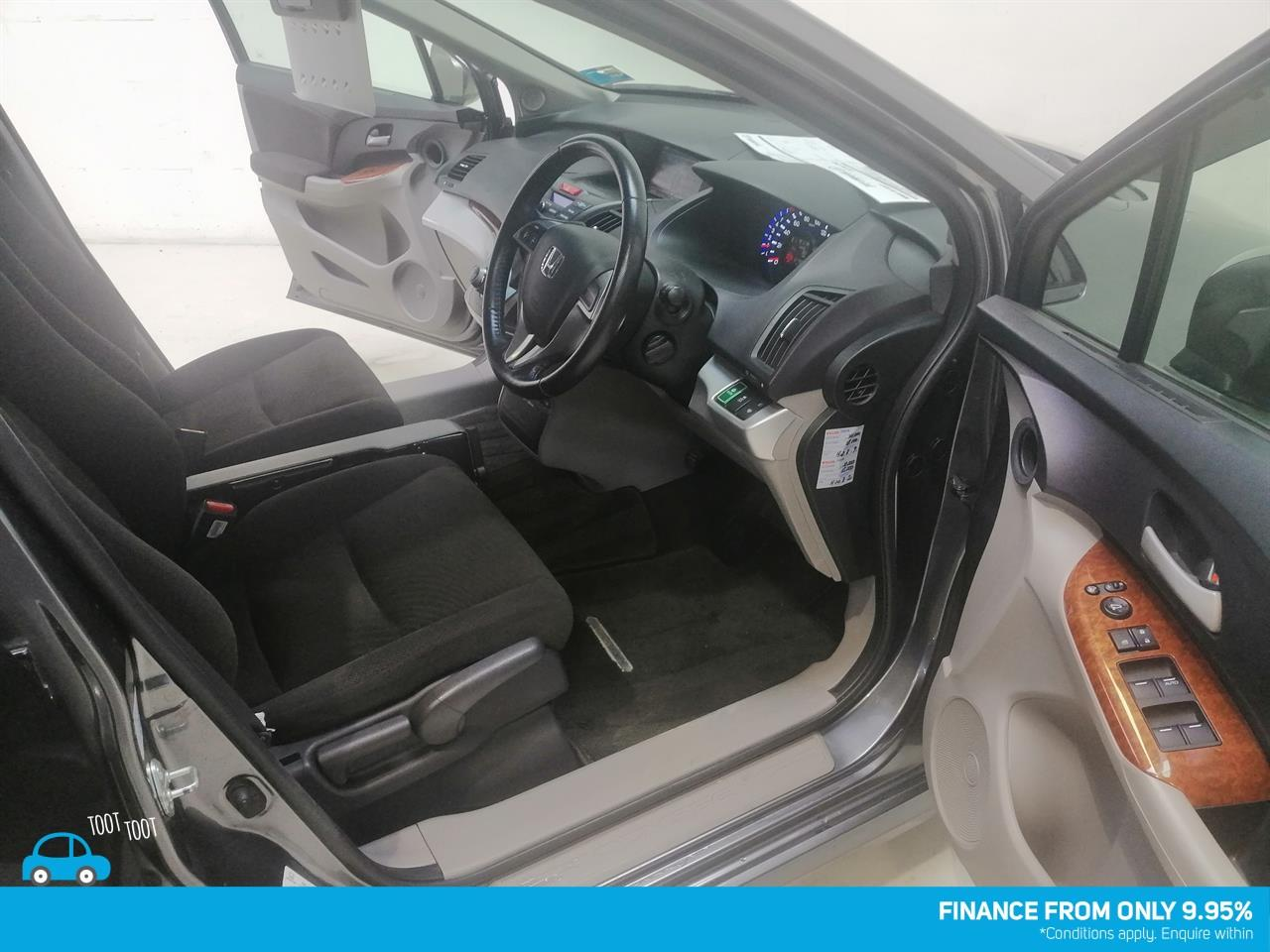 image-14, 2011 Honda Odyssey at Dunedin
