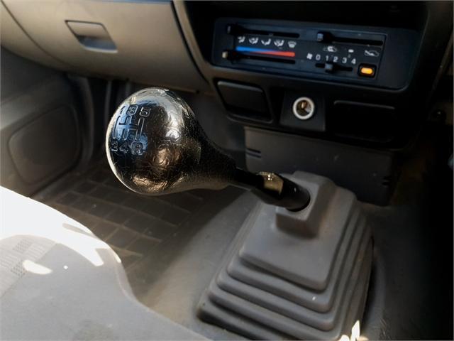 image-7, 2013 Nissan Navara DX 2WD Manual 2.5D S/C at Christchurch