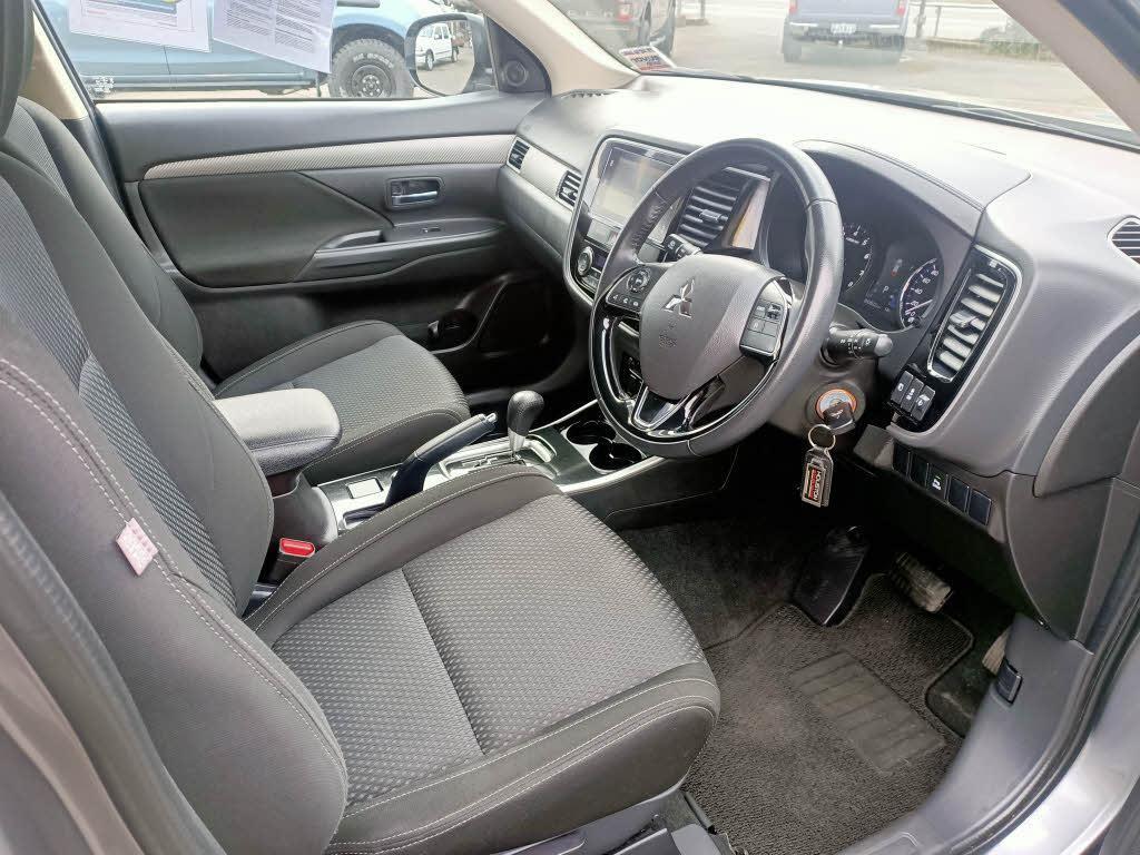 image-8, 2017 Mitsubishi Outlander LS 2.0P/CVT LS at Dunedin