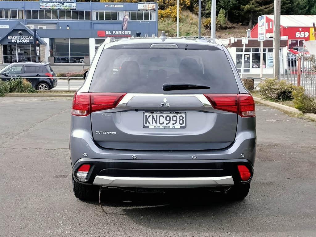 image-3, 2017 Mitsubishi Outlander LS 2.0P/CVT LS at Dunedin