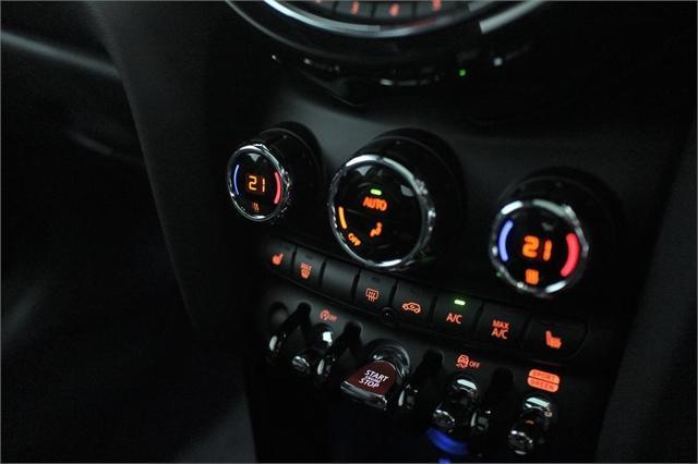 image-13, 2021 MINI Cooper S Hatch Chili at Christchurch