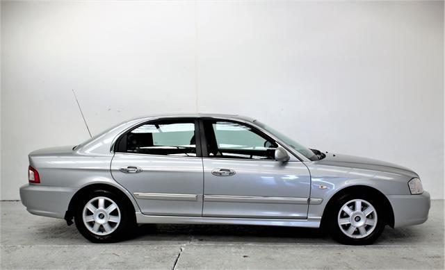 image-1, 2005 Kia Optima 2.5 V6 Petrol Automatic **33,500km at Christchurch
