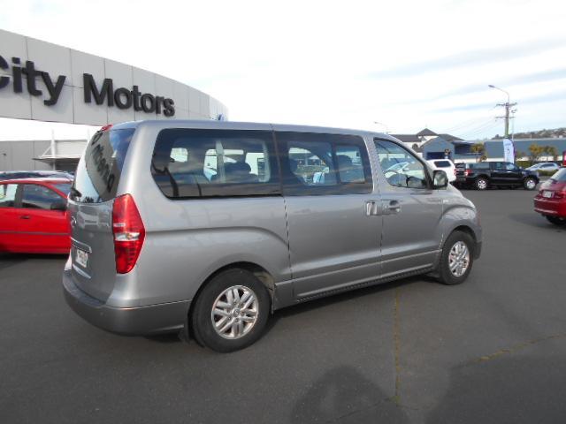 image-5, 2017 Hyundai iMAX 2.5 Diesel auto 8 seat coach Van at Dunedin