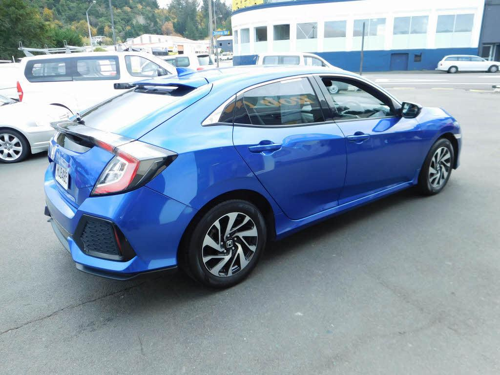 image-5, 2017 Honda Civic Liftback at Dunedin