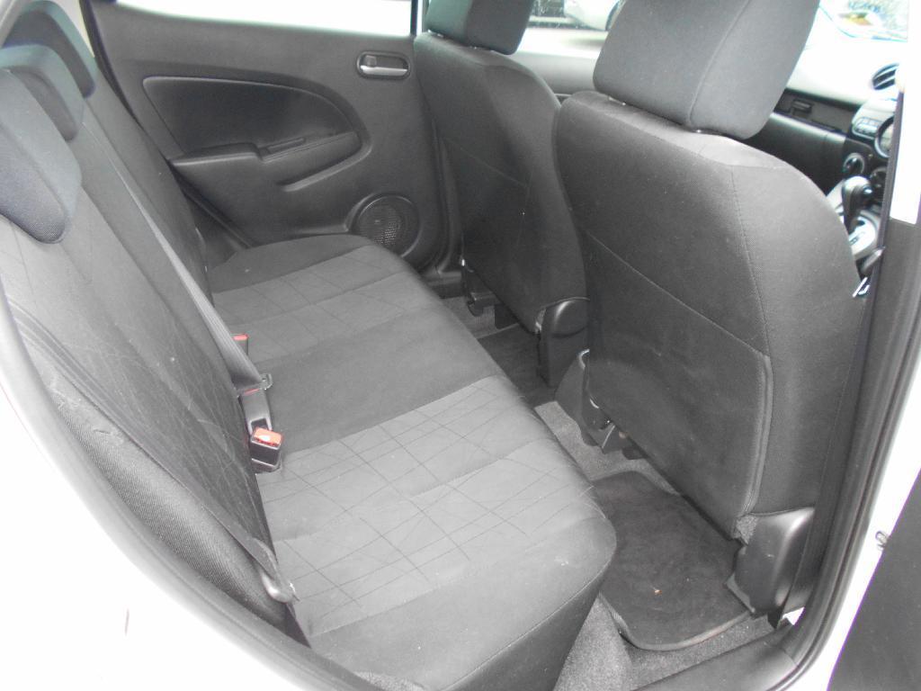 image-6, 2014 Mazda 2 CLASSIC 1.5 4AT at Dunedin