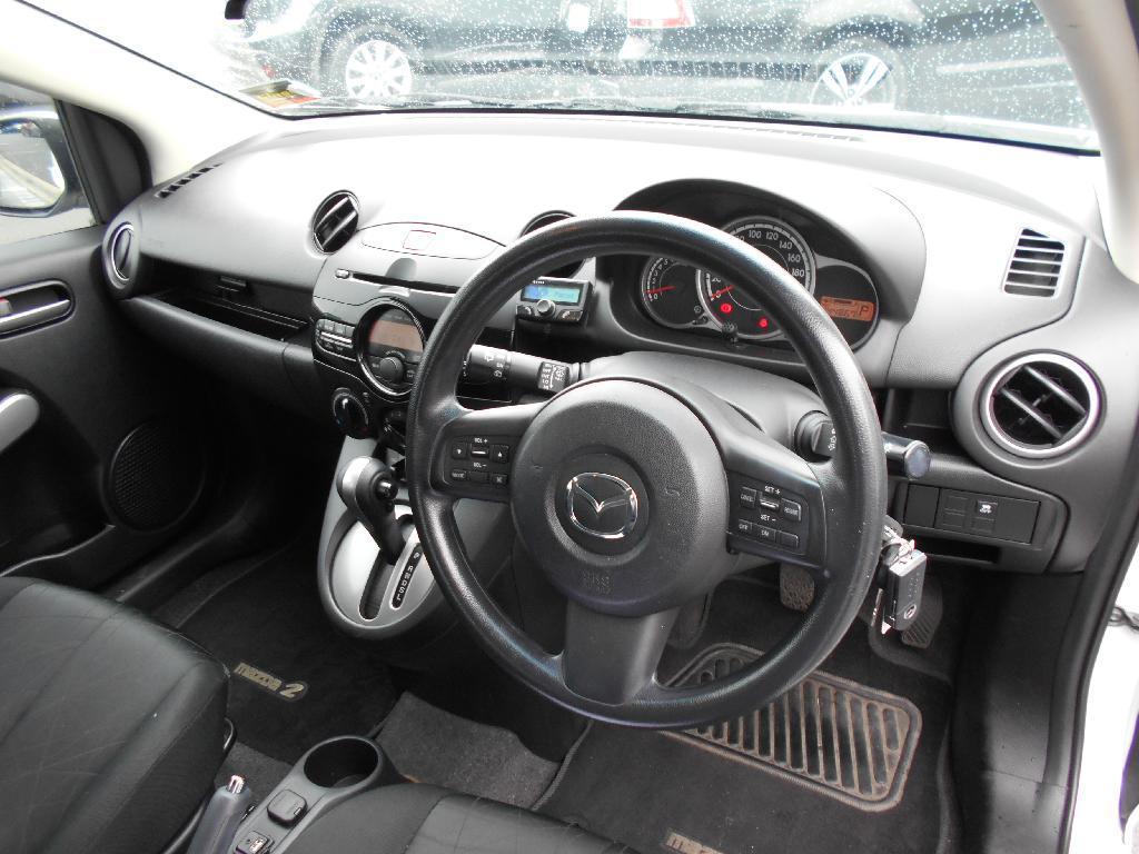 image-8, 2014 Mazda 2 CLASSIC 1.5 4AT at Dunedin