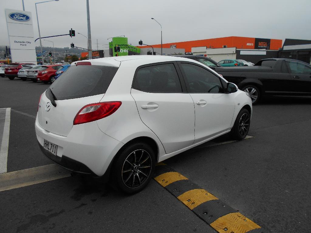 image-4, 2014 Mazda 2 CLASSIC 1.5 4AT at Dunedin