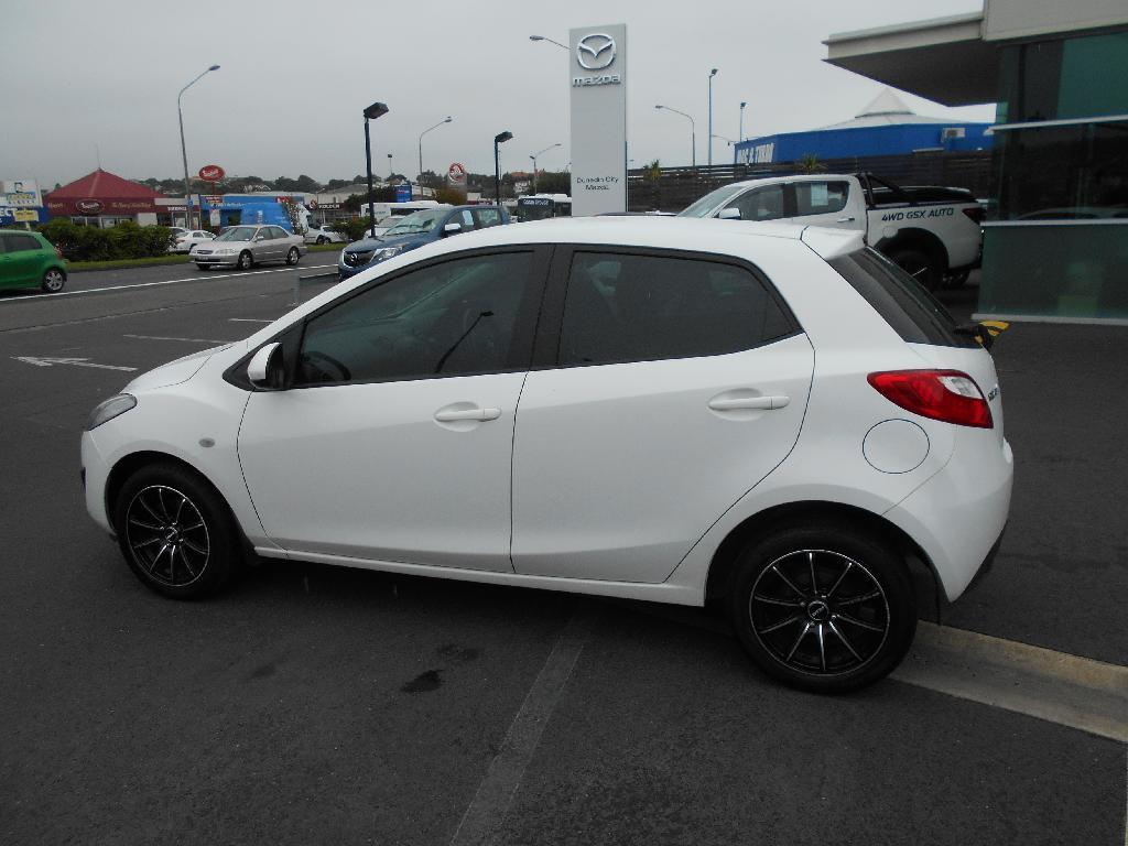 image-1, 2014 Mazda 2 CLASSIC 1.5 4AT at Dunedin