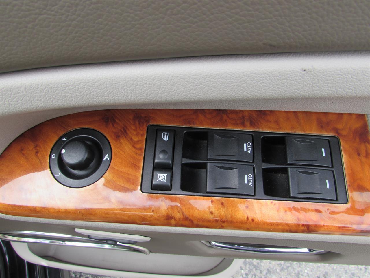image-8, 2006 Jeep Grand Cherokee at Christchurch