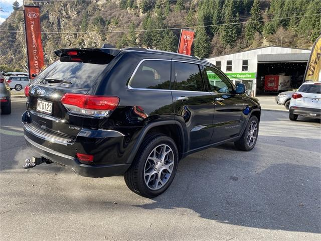 image-1, 2020 Jeep Grand Cherokee 3.0 Diesel Limited at Central Otago