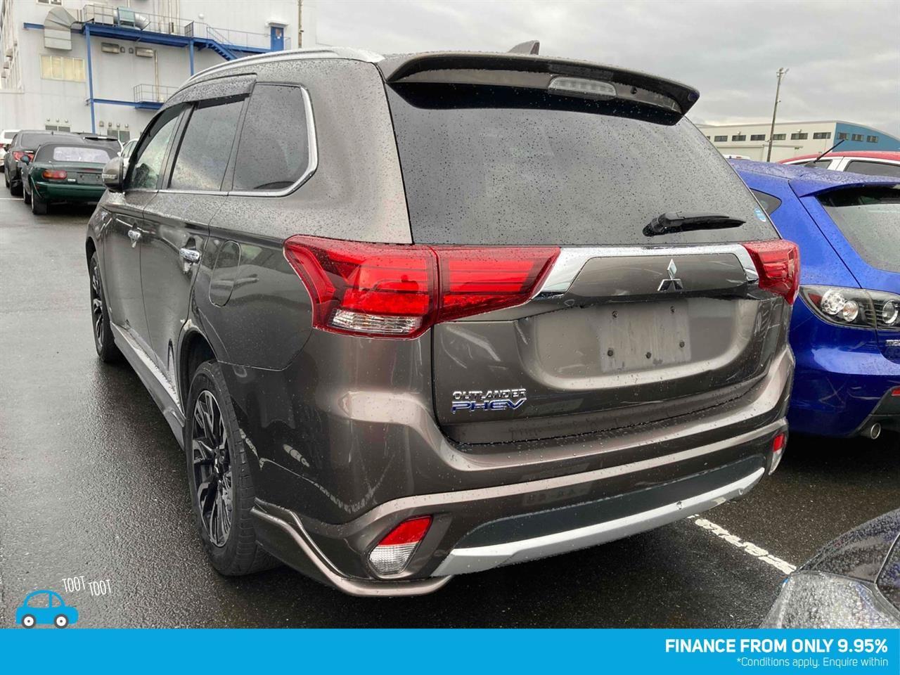 image-1, 2016 Mitsubishi OUTLANDER PHEV Facelift at Dunedin