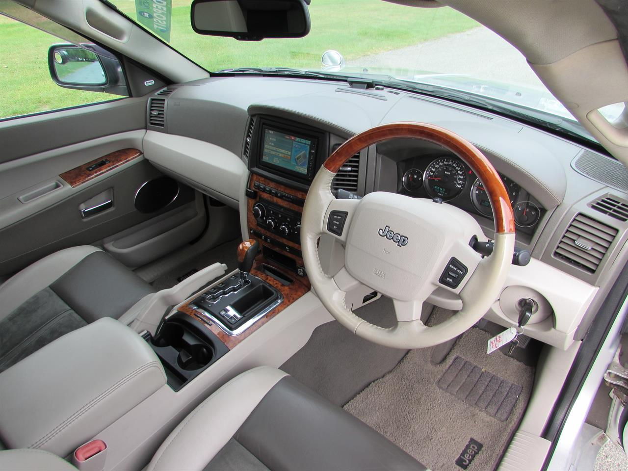 image-8, 2007 Jeep Grand Cherokee Limited 5.7L Hemi V8 at Christchurch