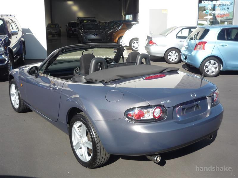 image-14, 2006 MAZDA ROADSTER at Dunedin