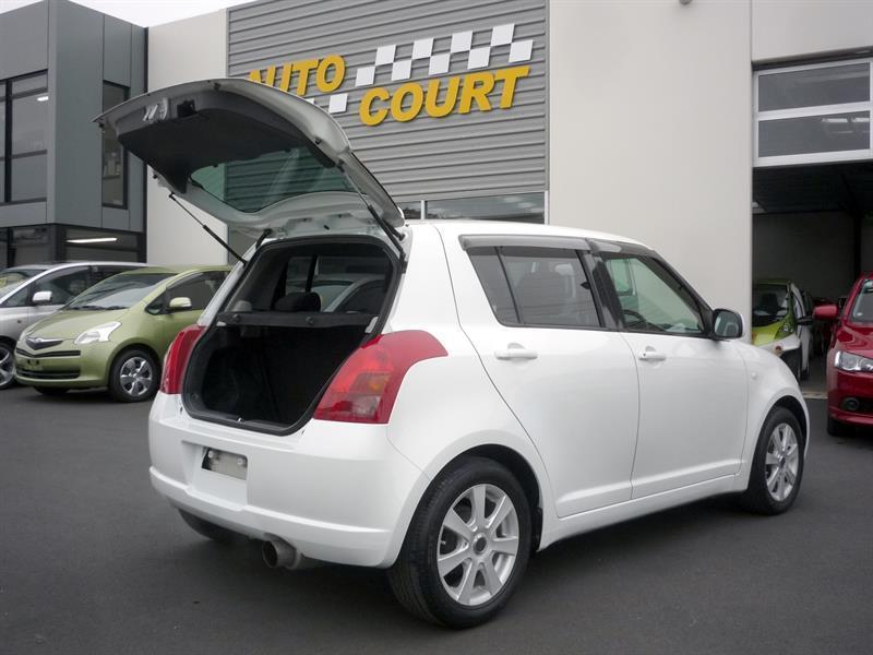 image-13, 2007 Suzuki Swift XG at Dunedin