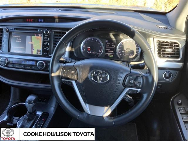 image-10, 2018 Toyota Highlander GXL SIGNATURE CLASS at Dunedin