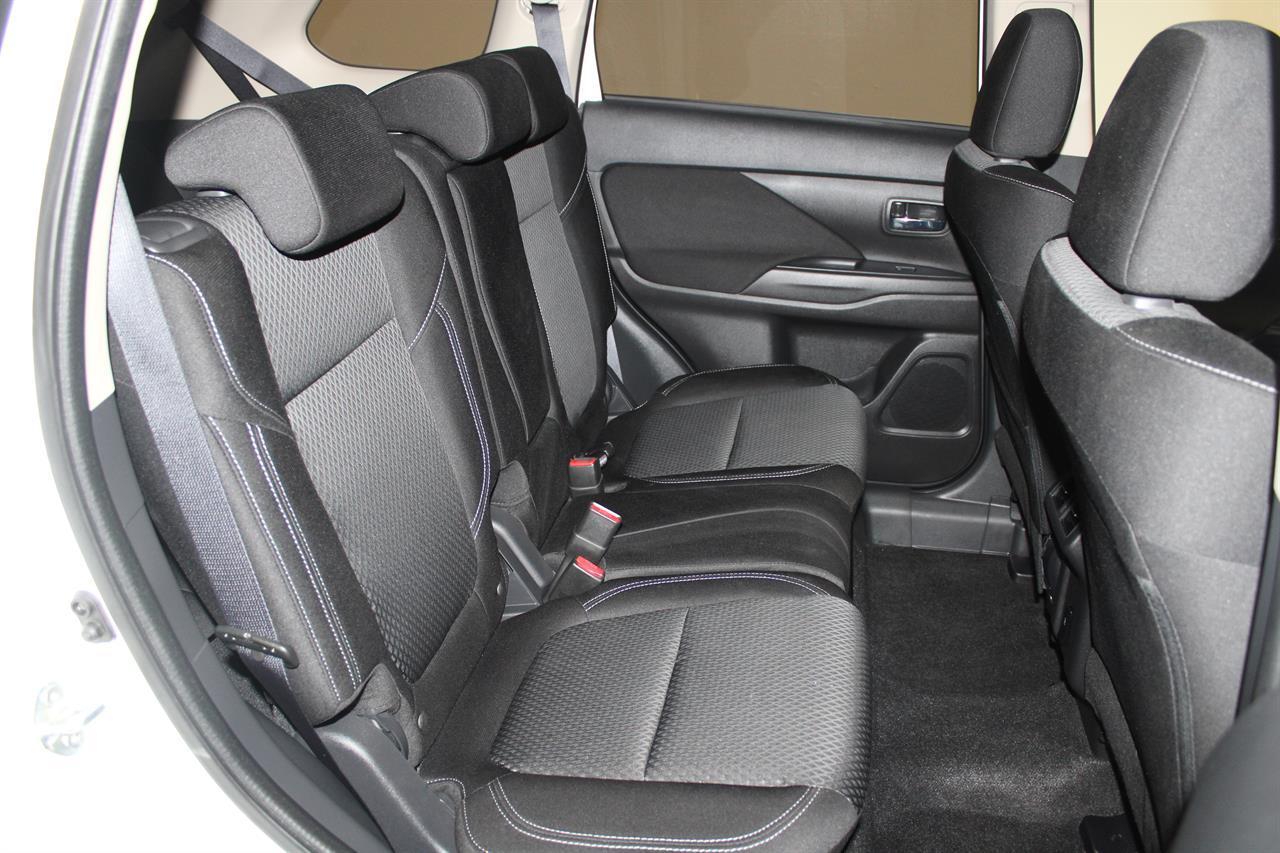 image-14, 2019 Mitsubishi Outlander LS 7 Seater 4WD at Christchurch