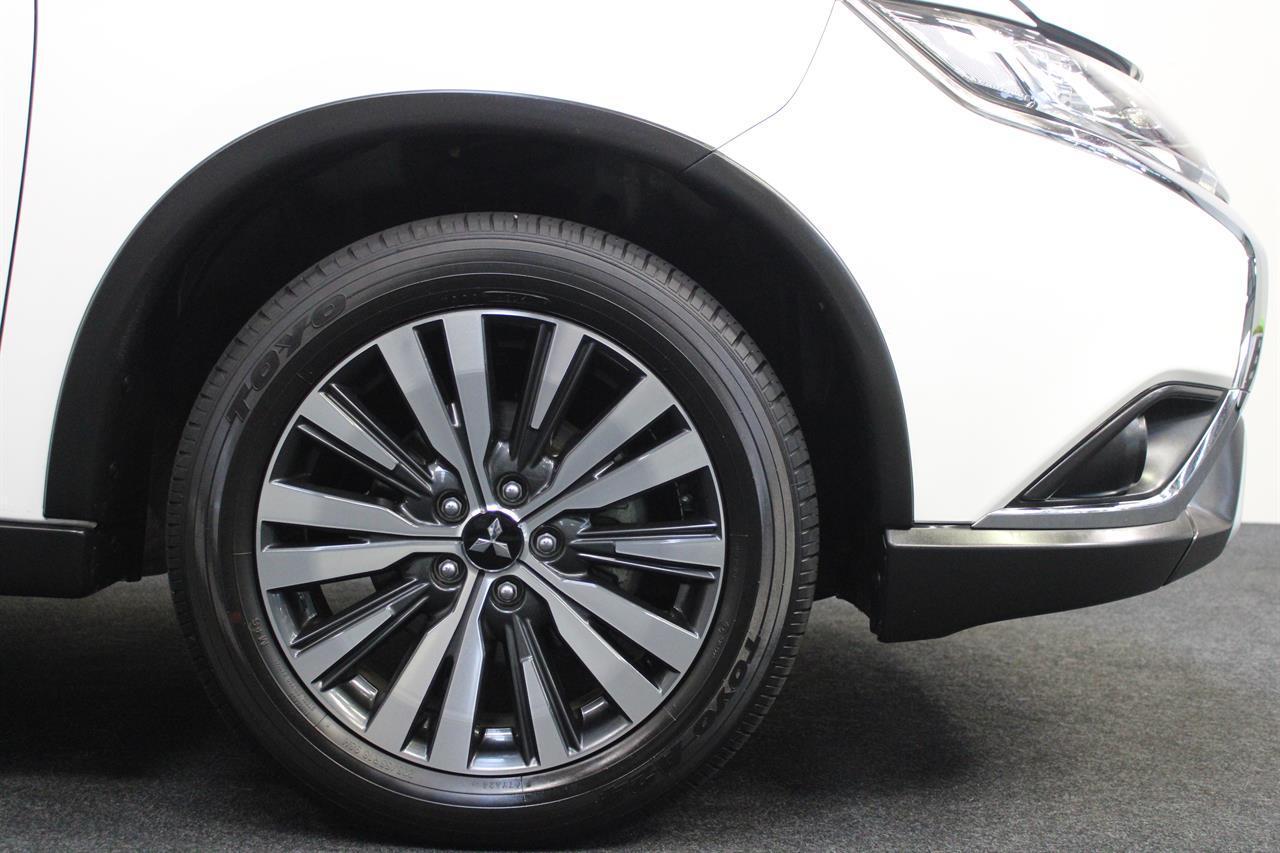 image-9, 2019 Mitsubishi Outlander LS 7 Seater 4WD at Christchurch