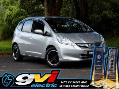2011 Honda Fit Hybrid * Save on Fuel * Get in the