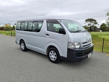 2006 Toyota Hiace 10 Seater
