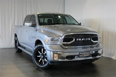 2019 RAM 1500 Laramie Petrol STD