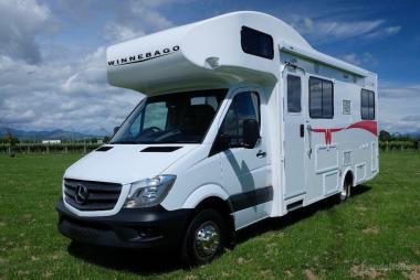2018 MercedesBenz Sprinter - Winnebago Balmoral