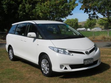 2015 Toyota Previa 2WD 8 Seater