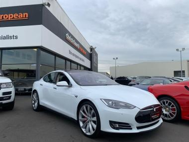 2014 Tesla Model S P85+Signature