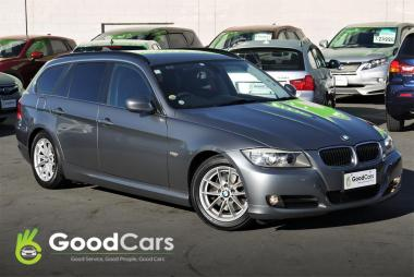 2011 BMW 320i LCI Facelift, High Line