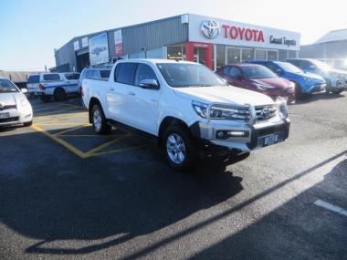 2016 Toyota Hilux 4WD SR5 2.8DT DOUBLE CAB UTE/4 6